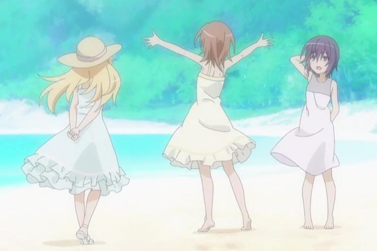 三人海滩散步.png